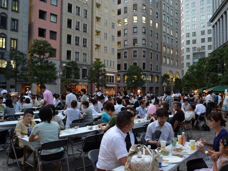 写真は一昨年の夏祭りの模様。「毎年、のべ1,000人以上の来客がある」(水由さん)