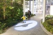 虎ノ門ヒルズでインタラクティブアート「シャドウイング」 影通して人とまちつなぐ