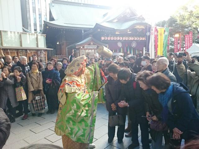 虎ノ門金刀比羅宮で伝統行事「初こんぴら祭」 踊る七福神に歓声