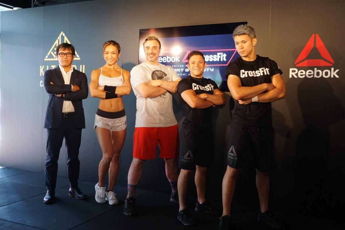(左から)シニアディレクターの白川創一さん、アンバサダーのAYAさん、ニコラス・ペタスさん、インストラクターのジョージさん、ナオヤさん