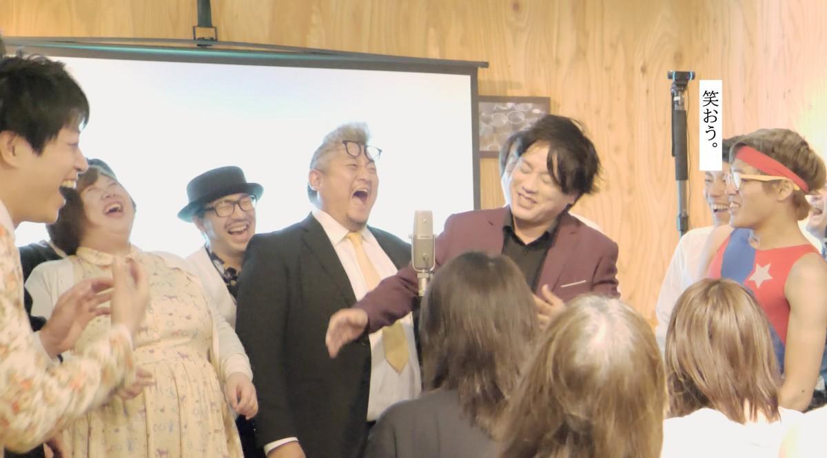 虎ノ門で行われているお笑いライブ「虎笑門」の様子