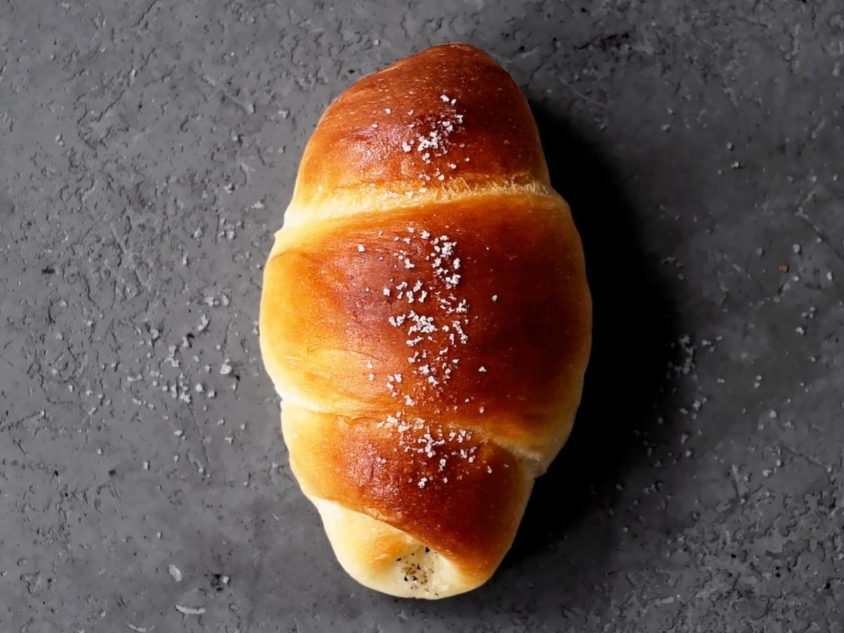 「白トリュフの塩パン」