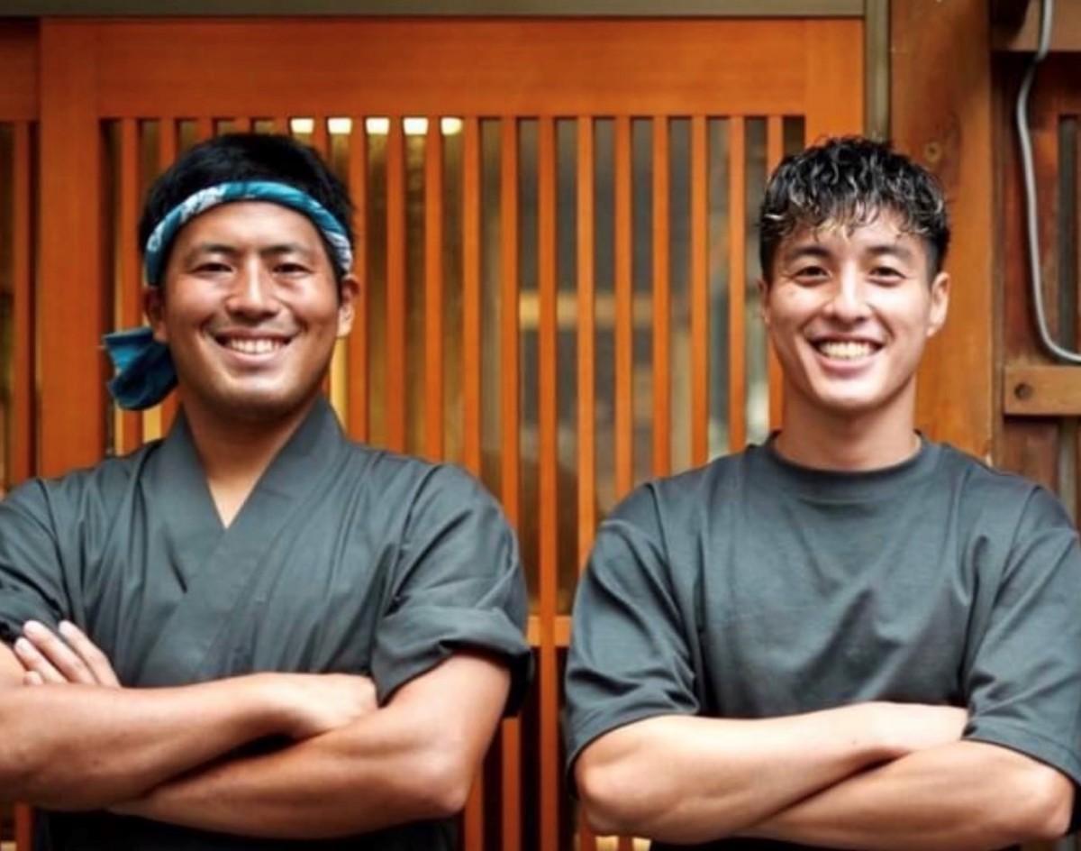 オーナーの米田拓史さん(右)と料理人の松本容典さん(左)