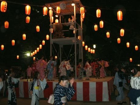 花園神社の盆踊り(昨年の写真より)