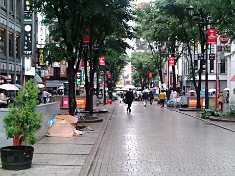 五輪開催中、イベント会場となる新宿MOA4番街通り