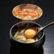 「創作えぞ料理 花まる亭」のカボチャ団子が入った「ペロンタン汁といくら丼セット」(1,890円)