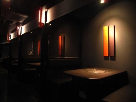 「焼肉 板門店 新宿西口店」の店内