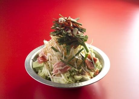 コラーゲン入りのメニューも取り扱う、トウガラシ料理専門店「赤ちり亭新宿店」の「赤ちり鍋」