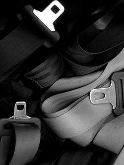 「廃車のプライス展 2009 ベルト×バッグ  CO2を減らすプロダクト」