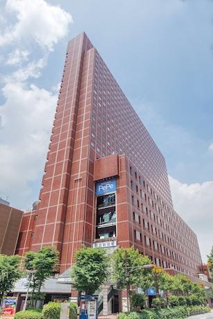 同ホテルと西武新宿PePeを含む西武新宿駅の駅ビル開業は1977(昭和52)年