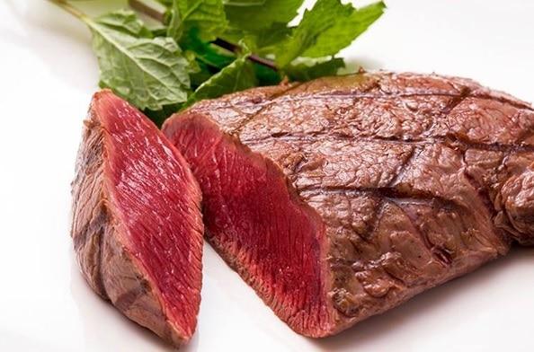 栄養のバランスが良い「ダチョウ肉」は健康食として注目されている