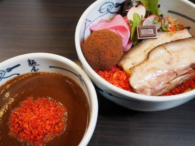 「麺屋武蔵」とロッテガーナチョコがコラボ 「つけガーナ」