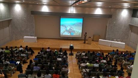2015年に開催された第1回の様子。写真=鏑木毅さんの講演
