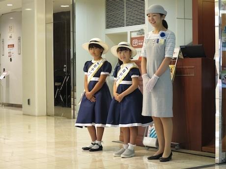 昨年「小田急百貨店新宿店」で行われた仕事体験の様子