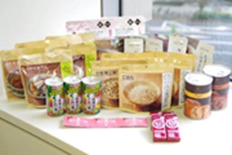 マーケットで販売される「日本災害食大賞2016新製品部門グランプリ」を受賞したファシルの「防災食セット」。3日分のエネルギーや栄養を摂取できる