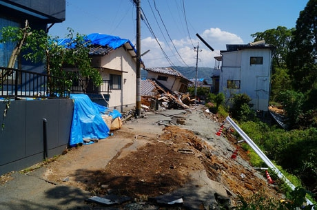 写真は熊本地震の被害状況。イベントでは各地で起きた災害の教訓を伝える
