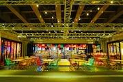 甲州街道高架下の「サナギ新宿」でアート祭 総勢13人の作品一堂に