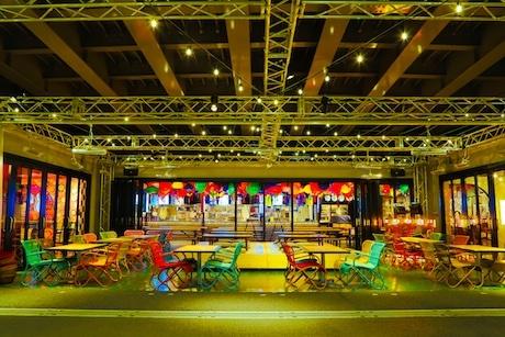 インキュベーションアート祭が開かれている「サナギ新宿」の外観
