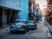 代々木のカフェで写真家YAJさん個展 キューバの人と街並み捉える