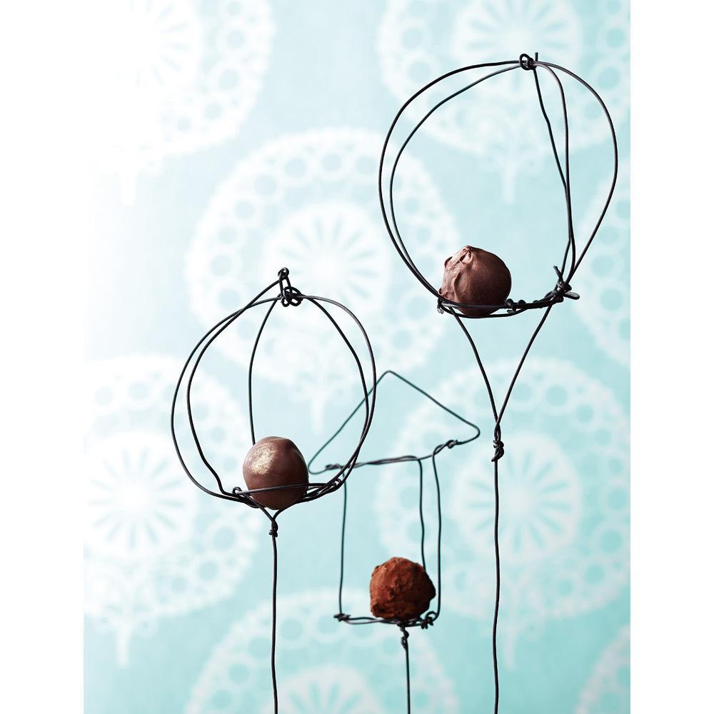 ギリシャ人のミナ・アポストリディスさんが手掛ける「ミナ・ハンドメイドチョコレート」は日本初登場(イメージ)