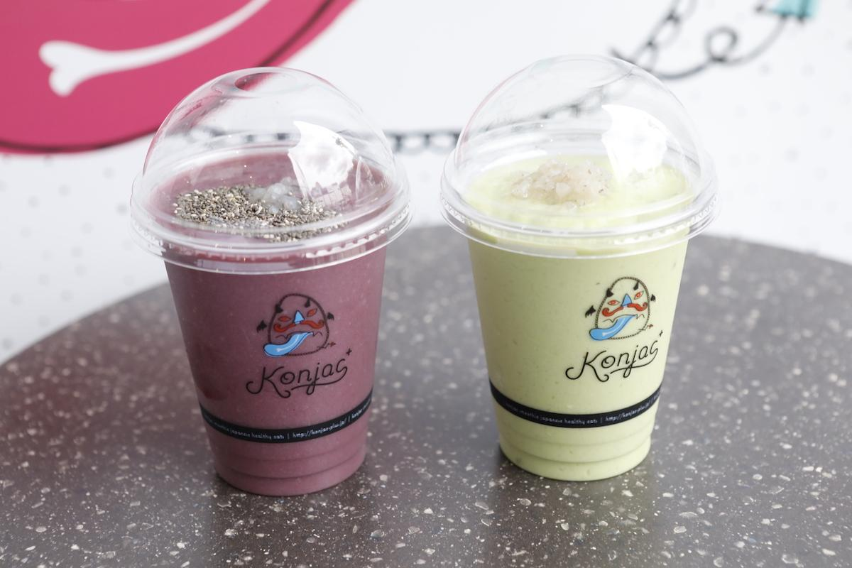 「Konjac⁺」が提供するメニュー「まもってアサイー」(左)と「まろやかグリーン」(右)