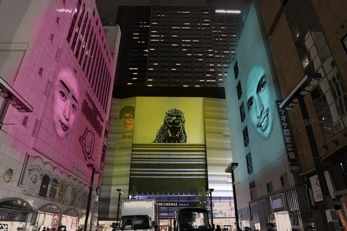 新宿歌舞伎町シネシティ広場で開催される「たてもののおしばい 歌舞伎町の聖夜」(イメージ)
