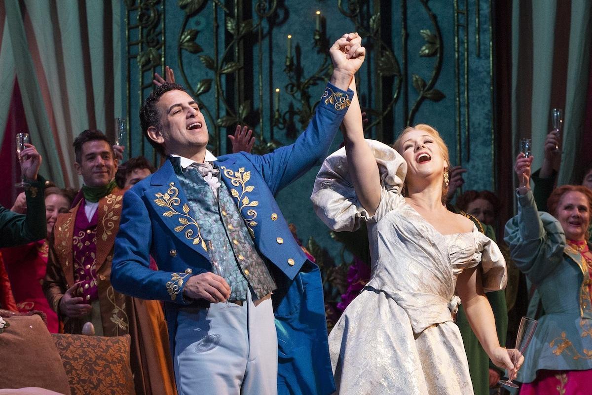 「椿姫」より ©Marty Sohl/Metropolitan Opera