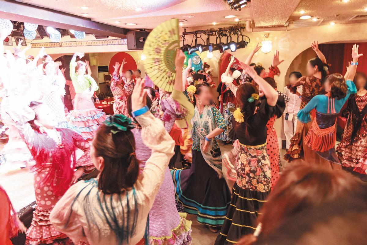 初心者、衣装がない人も気軽にセビジャーナス体験ができるダンスタイム(イメージ)