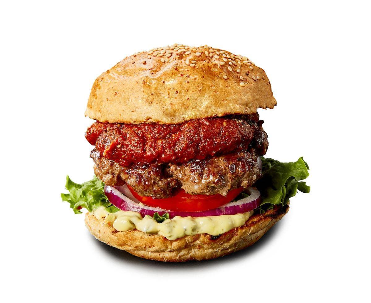 「BURGER AWARD」参加店から「GARDEN HOUSE」の「GH バーガー」。鹿児島県産黒毛和牛100%のオリジナルビーフパティ