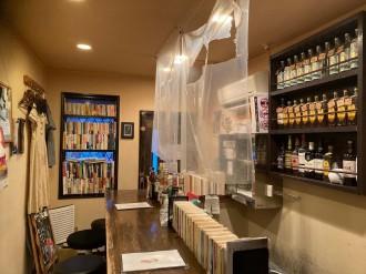 新宿ゴールデン街の文壇バー「月に吠える」が酒にまつわるエッセー募集