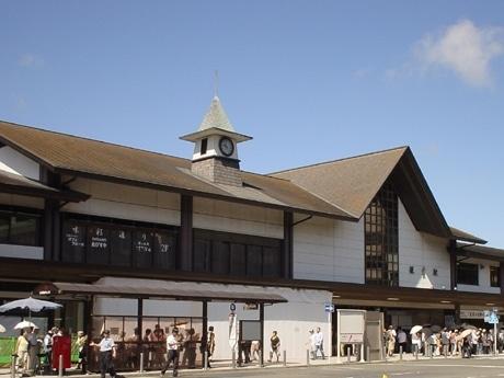 10月31日「エキスト鎌倉」リニューアルオープンに向けて工事が進むJR鎌倉駅