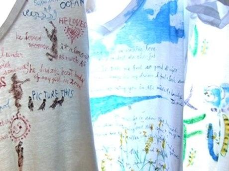 Tシャツ一枚一枚をキャンバスに「茅ヶ崎の海の日常」を手描きした「Paint Tee」