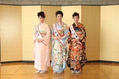 2011年ミス鎌倉も着物をアピール