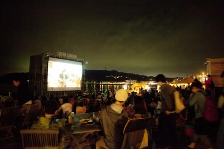 過去の逗子海岸映画祭の様子