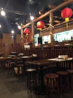 藤沢に10月10日オープンした台湾料理店「湘南小吃(ショウナンシャオツー)」の店内