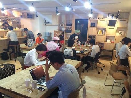 店内の様子。設計は藤沢在住の建築士・木津潤平さん