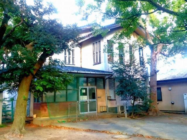 1936(昭和11)年に建てられた旧鎌倉図書館。解体が決まっていたが昨年方針が転換され保存活用に動き出した