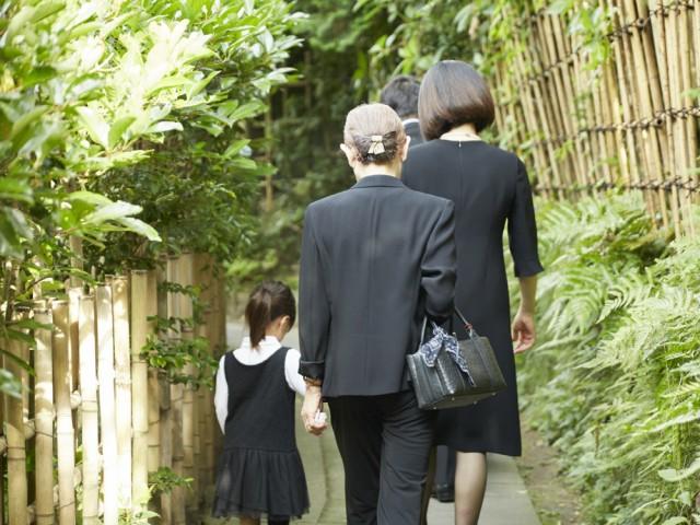 持ち家率が高く、介護や最期を迎えたい場所として自宅を希望する高齢者が50%以上(平成26年度鎌倉市高齢者保健福祉に関するアンケート調査)という鎌倉で創業した
