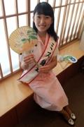 鎌倉の夏の定番「納涼うちわ」発売 今年の絵柄は日本画のヤマユリ