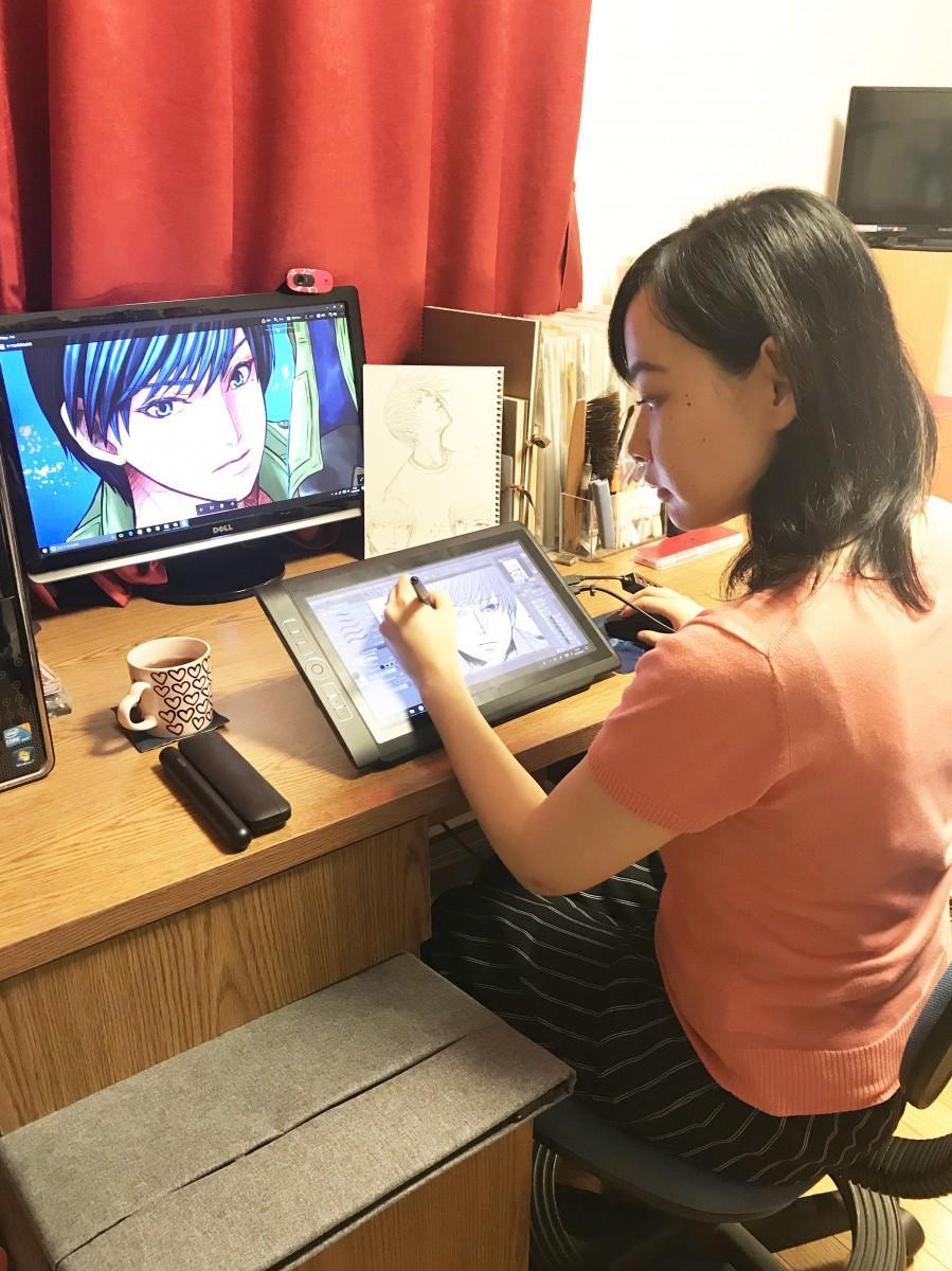 ペンタブレットを使用した屋敷サラさんの制作風景