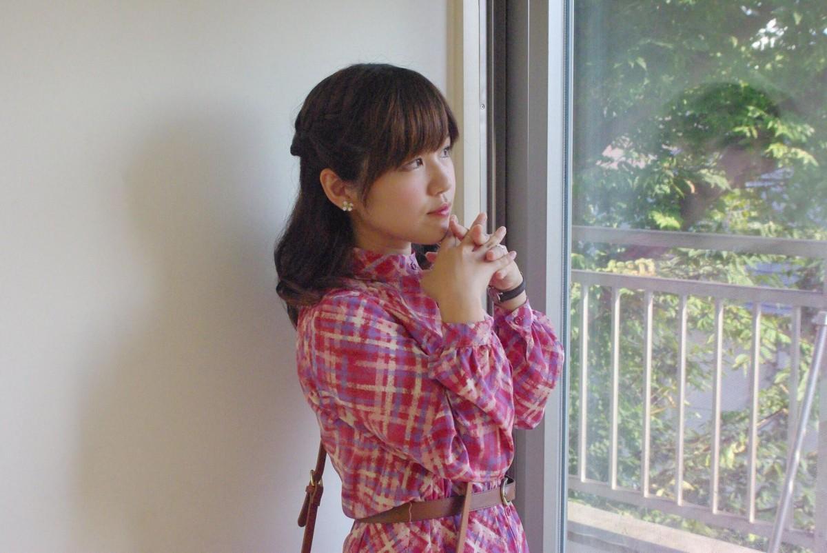 御手瑠依を演じる、藤沢市出身の藤沢愛さん。