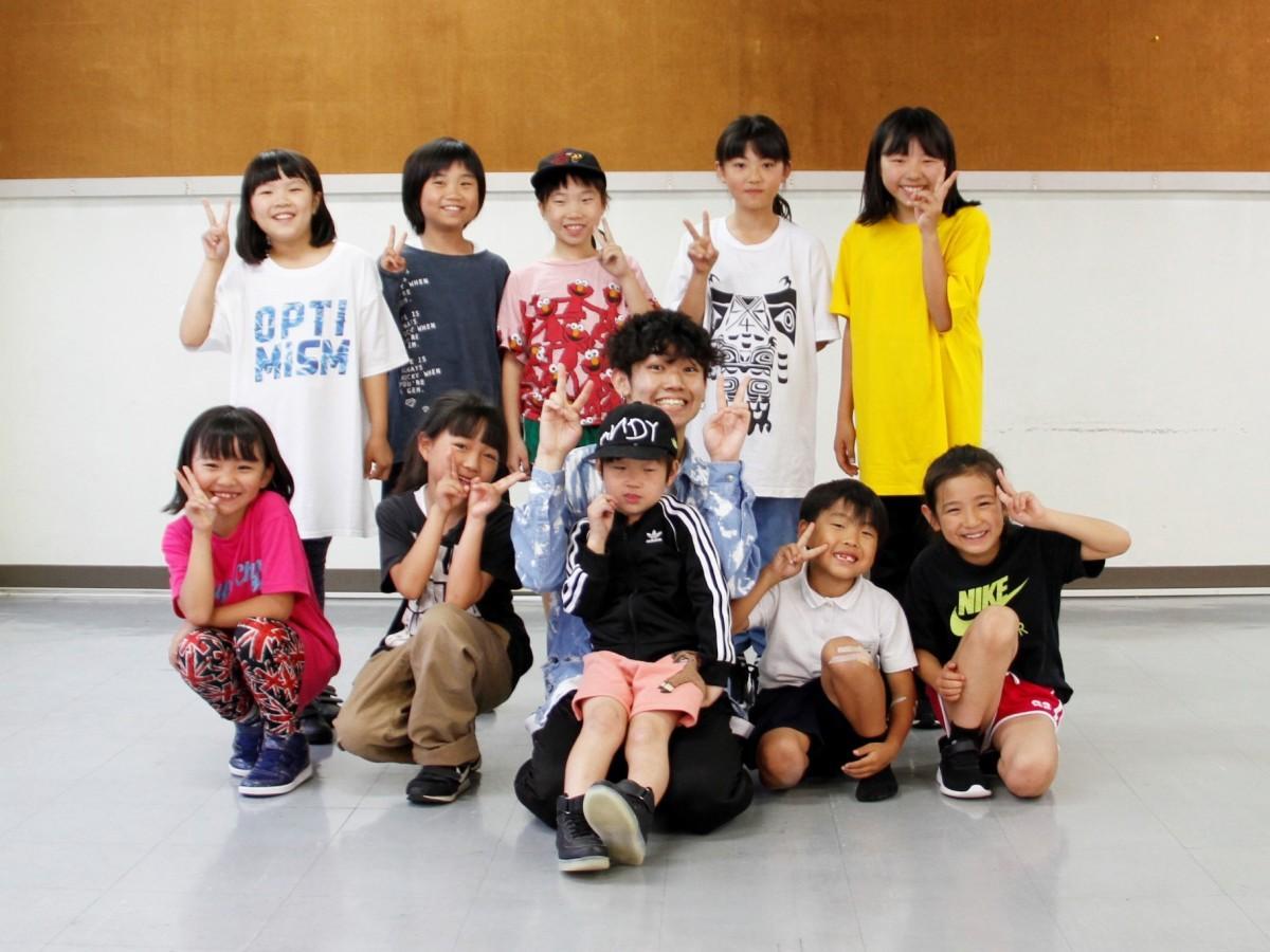 HALKIさんと小学生クラスの生徒