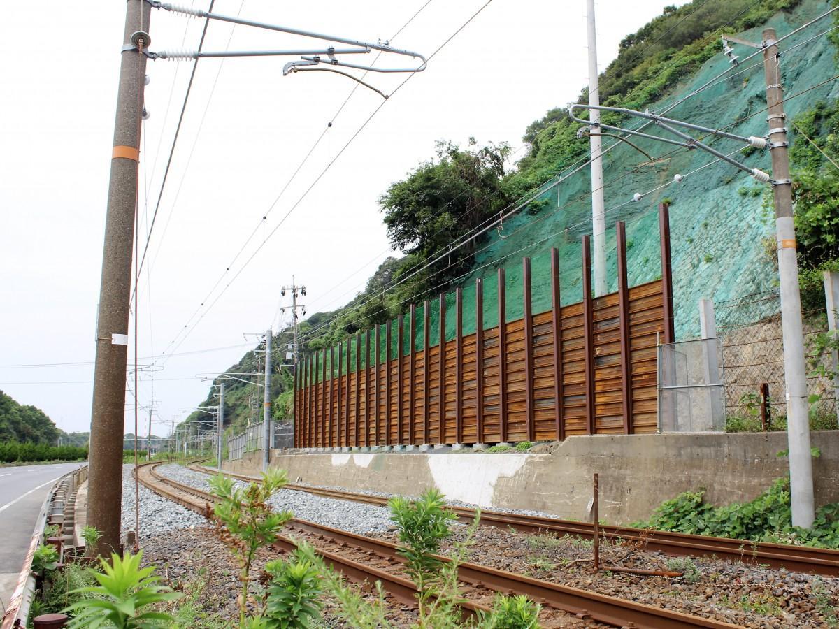 復旧工事を終えた国道188号沿い(光市浅江)の鉄道線路
