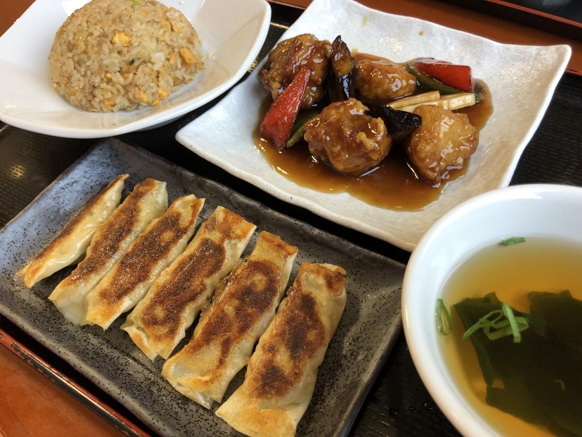 棒ギョーザと彩り酢豚、焼飯