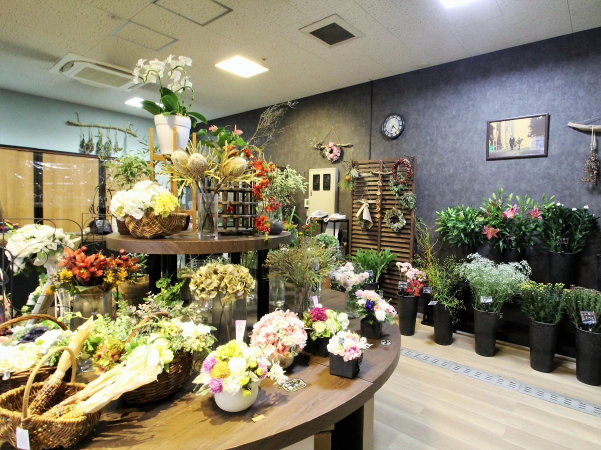パリの花屋をイメージしたという店内