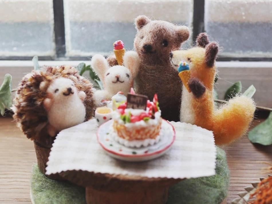 羊毛フェルト作家・coriefeltさんの作品「森の動物達のお誕生日会」