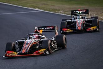 周南のレーシングチーム スーパーフォーミュラ選手権でワン・ツーフィニッシュ