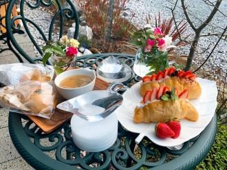 周南・鹿野「周南クオーツ」内に期間限定カフェ 自家製パンやケーキを販売