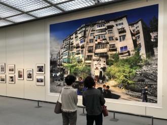 周南で笠木絵津子さん写真展「私の知らない母」 過去の母とのコラージュ作品