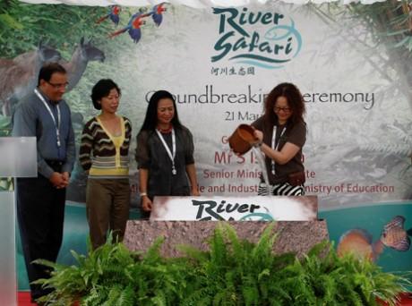 5月21日に行われた2012年上半期開業予定のテーマパーク「リバーサファリ」の起工式